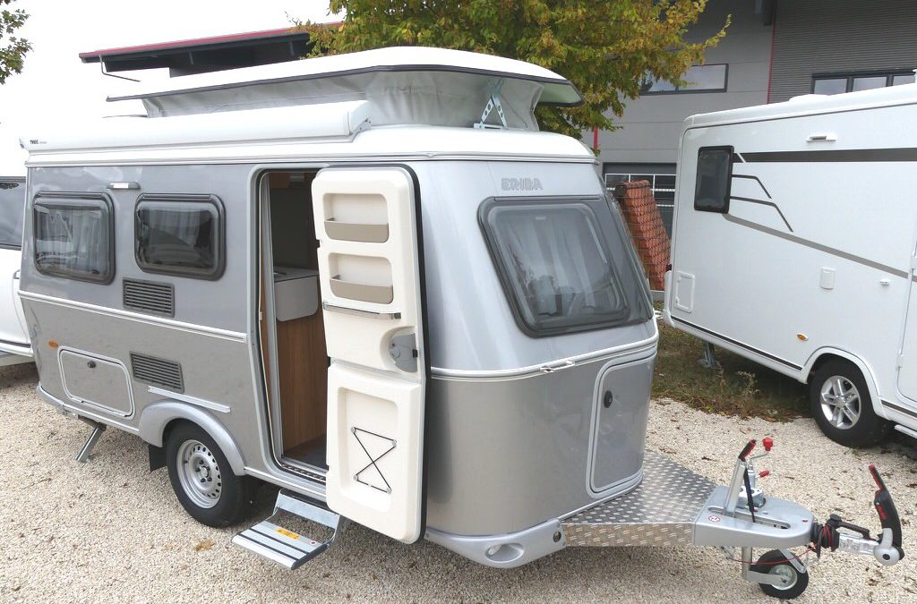 hymer eriba touring triton 430 silver ein w gele mit. Black Bedroom Furniture Sets. Home Design Ideas